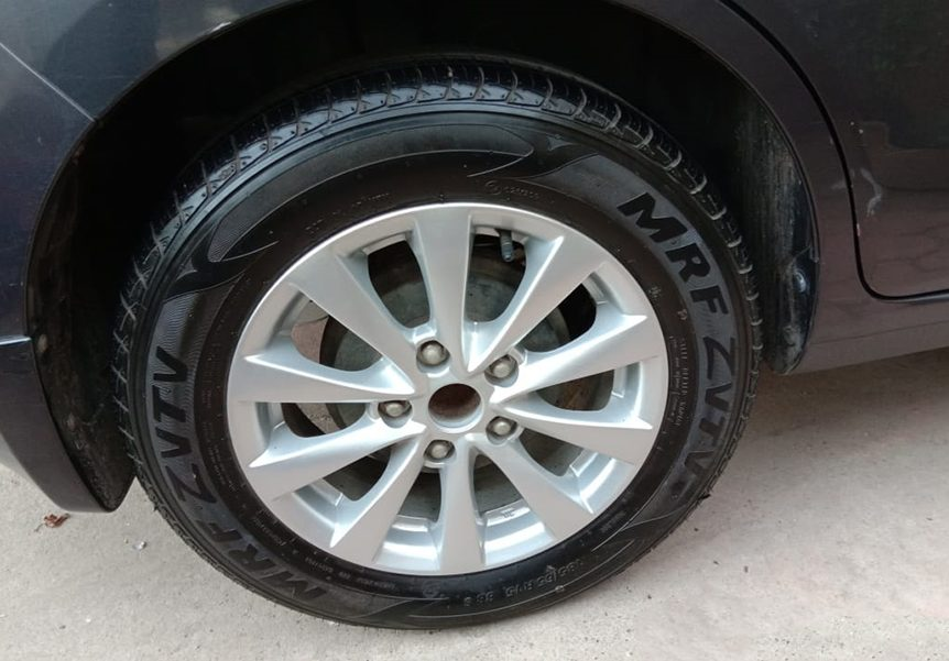 clean tyre